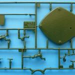 Zvezda's 61-K AA gun - crew and base sprue top