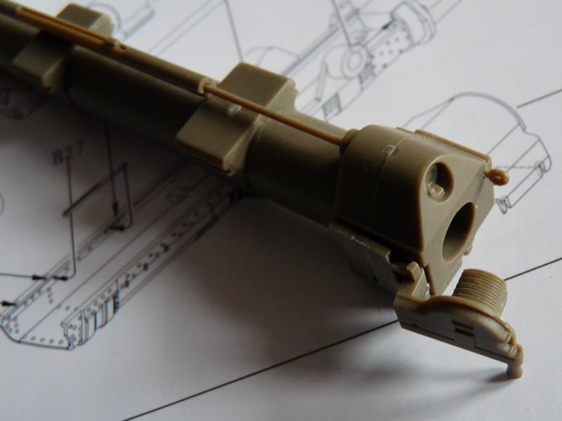 Bronco 1/35 SU-152 Early, kit CB35113 ML-20 Rear end, bottom view